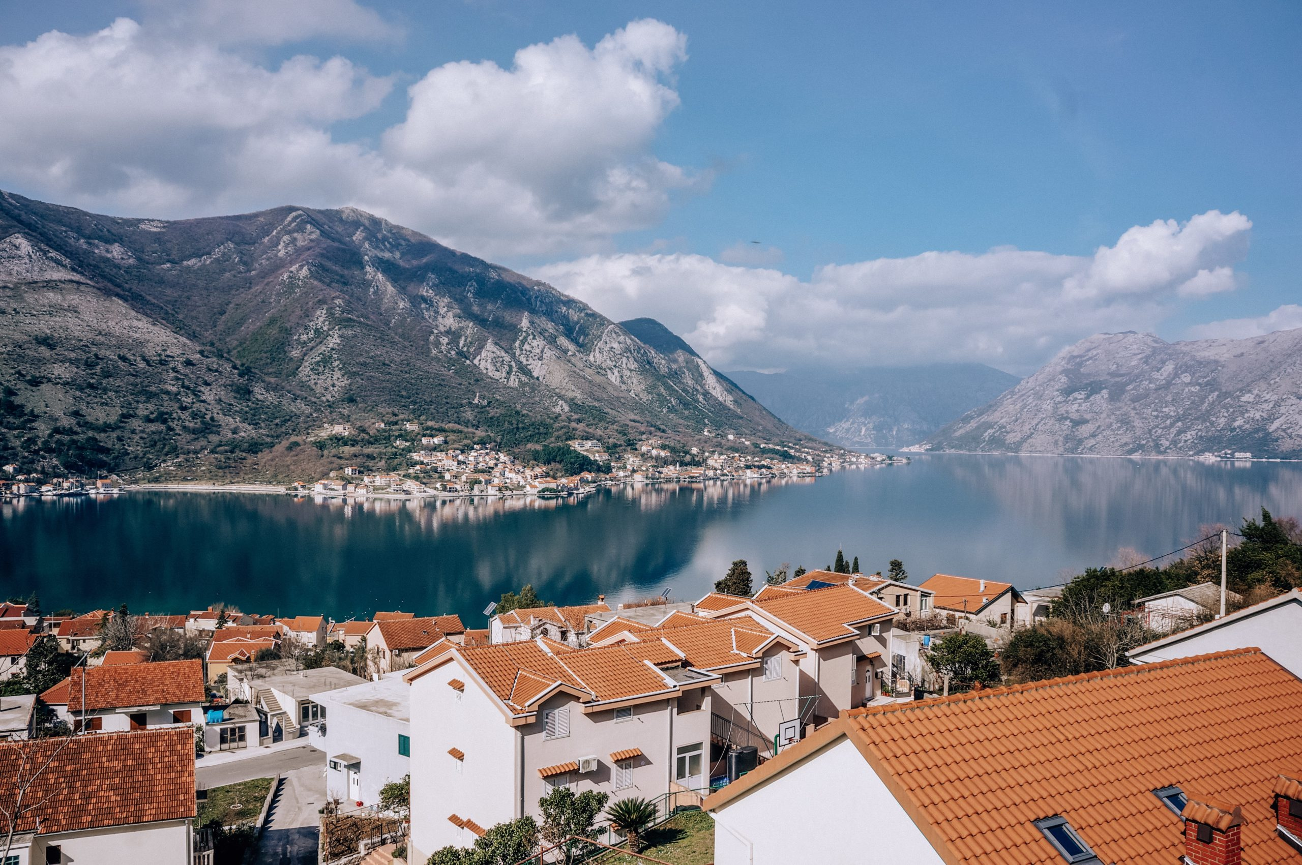 центре внимания фото черногория в марте выпечка