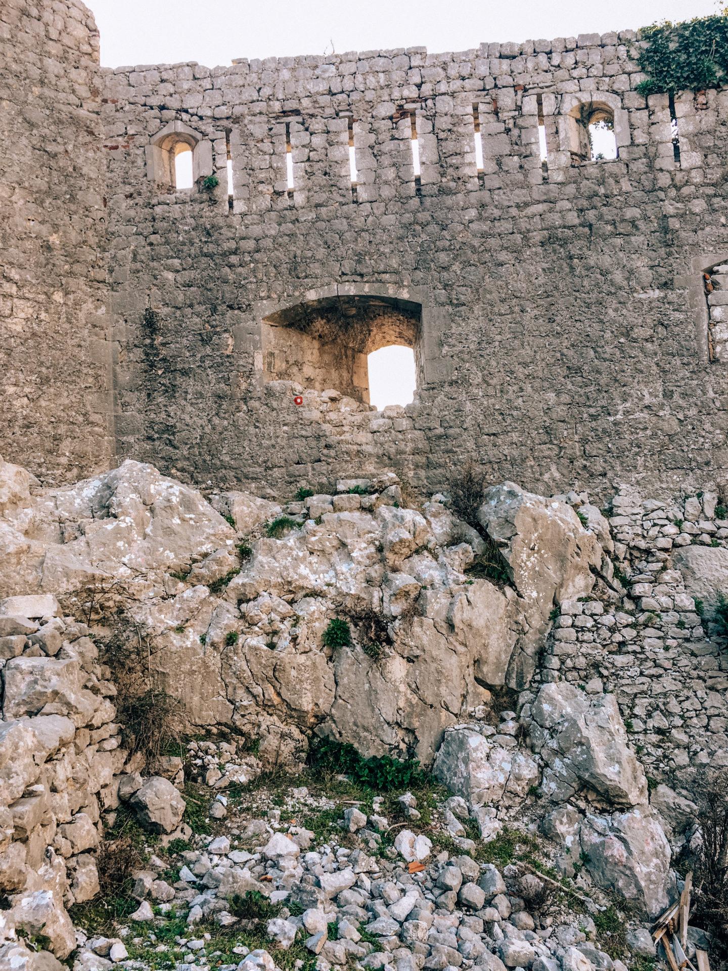 Черногория Котор обходная тропа на крепость